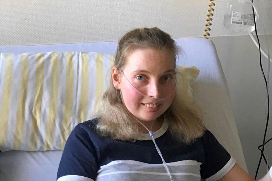 Nora (23) hat für ihren nach einer Leukämie-Behandlung geschwächten Körper Blutplasma von genesenen Covid-19-Patienten erhalten. Aber die Vorräte werden knapp.