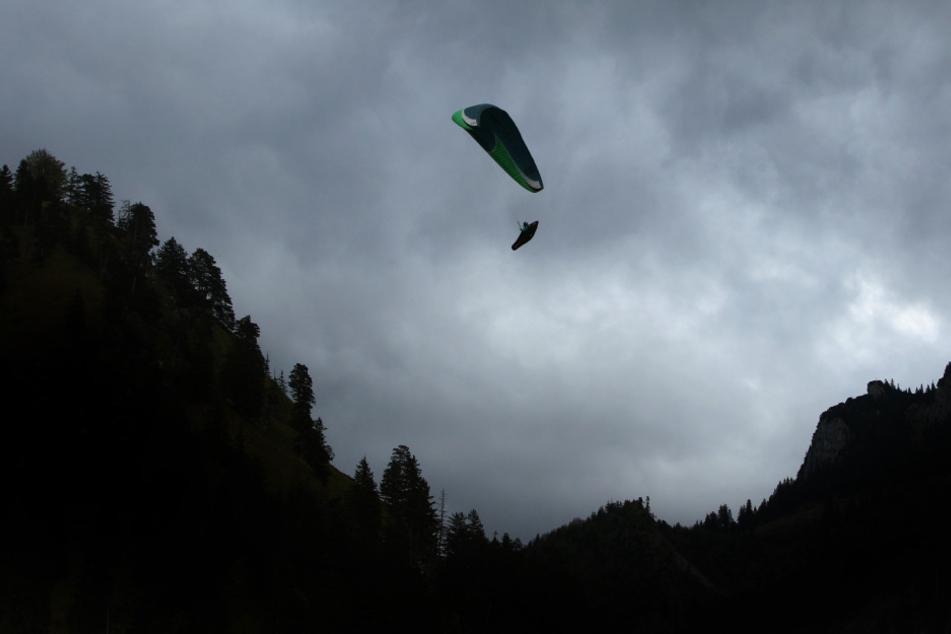 Kurz nach dem Start änderten sich die Windverhältnisse und der Schirm wurde manövrierunfähig.