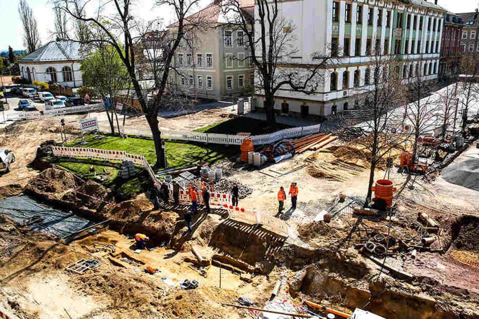 Das Grabungsfeld auf dem Rathausplatz ist rund 3500 Quadratmeter groß.