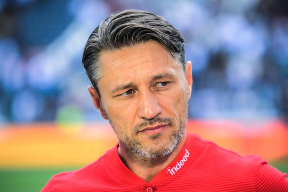 Niko Kovac muss sich gegen Schalke vor allem in der Defensive etwas einfallen lassen.