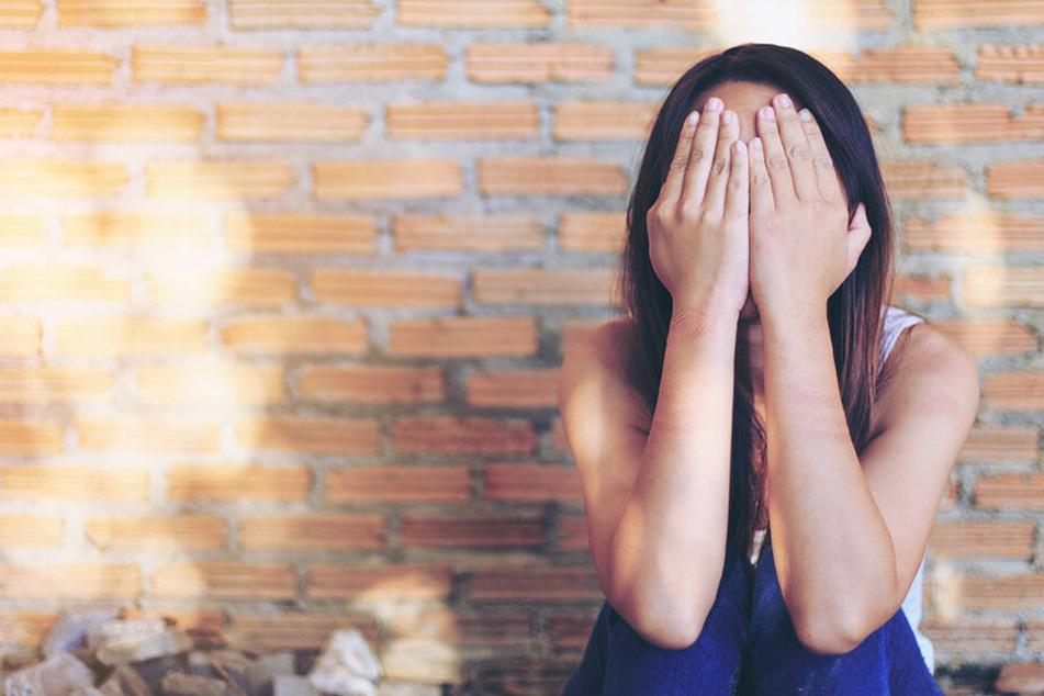 """""""Es hat keinen Sinn zu schreien, Mama ist nicht hier"""": Vater vergewaltigt seine Tochter mehrfach"""