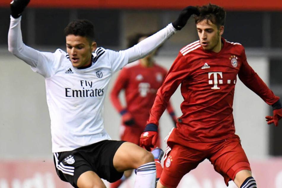 Gonçalo Ramos (l.) traf mit Benfica in der UEFA Youth League 2018 auf den FC Bayern.