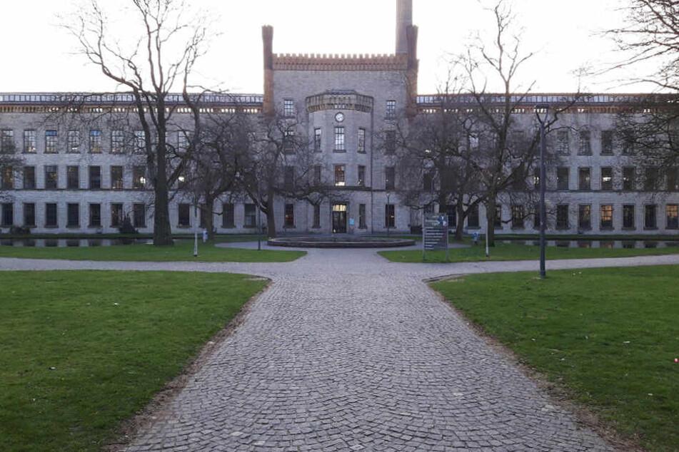 In der Ravensberger Spinnerei betreibt die AfD am Freitag Wahlkampf für die Landtagswahlen.