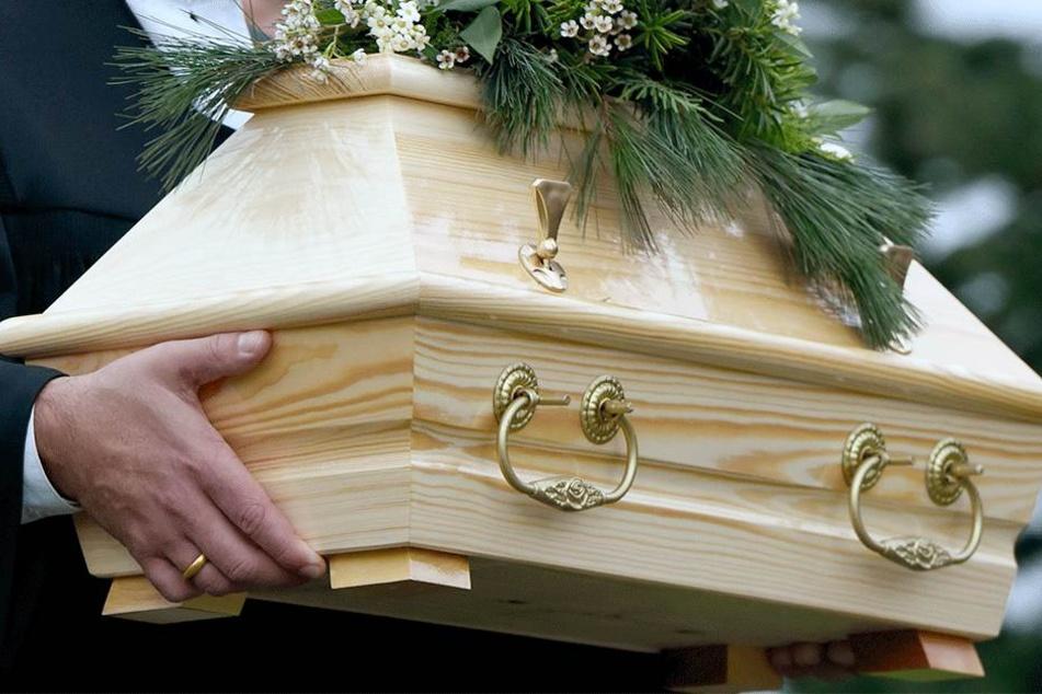 Kurz nach der Geburt starb das Baby (Symbolbild).