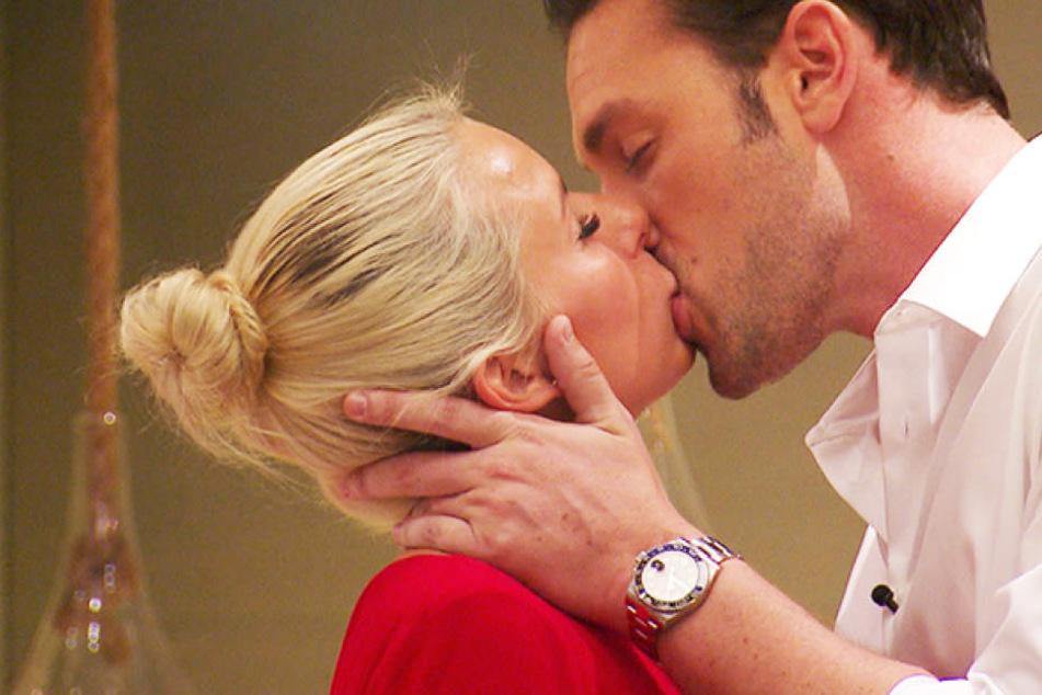 Heiße Küsse! Kommt es am Mittwoch zum ersten Sex der Staffel?