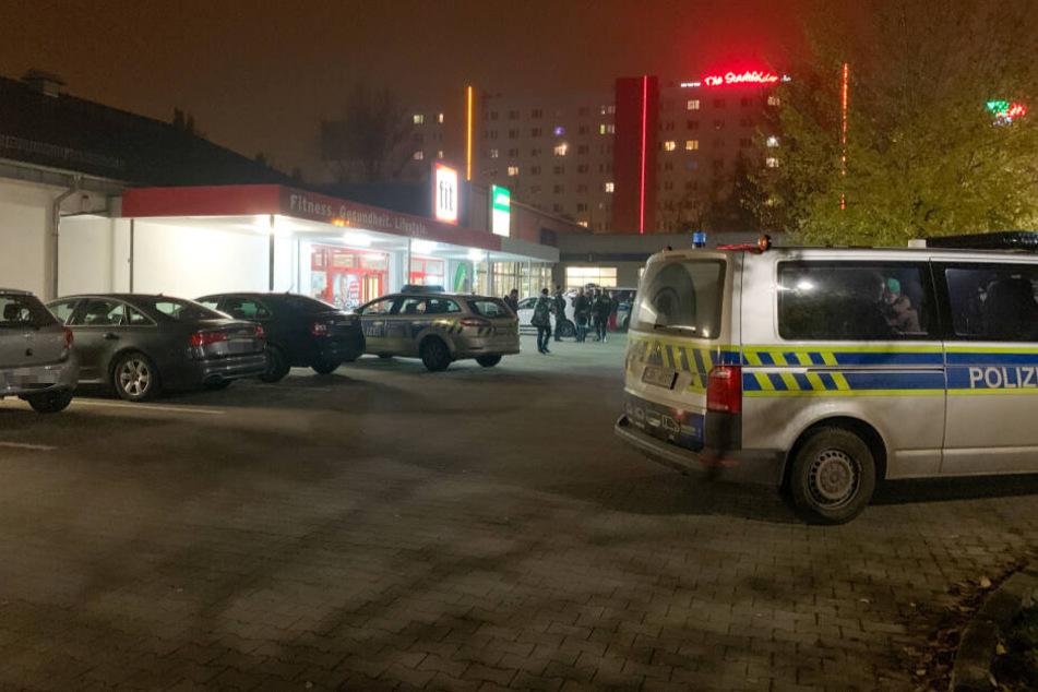 Bewaffneter Überfall am Montagabend in Magdeburg. Ein Unbekannter raubte unter Vorhalt einer Pistole eine Subway-Filiale aus.