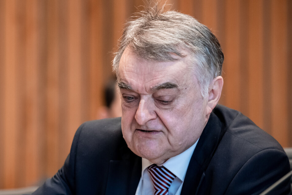 NRW-Innenminister Herbert Reulbei einer Sondersitzung des Innenausschusses am Donnerstag.