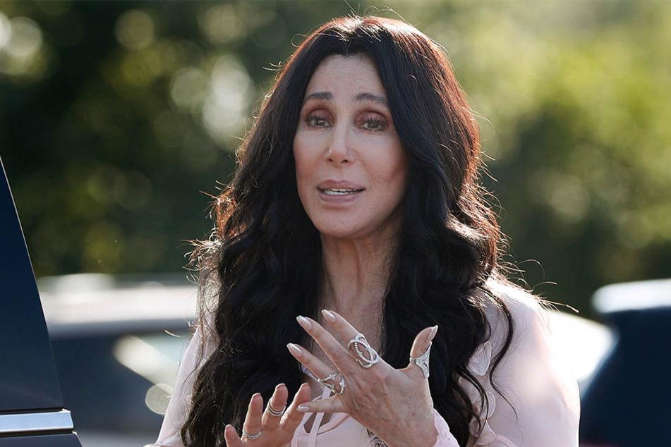 Cher (72) bekam von dem Polizeieinsatz zunächst nichts mit.