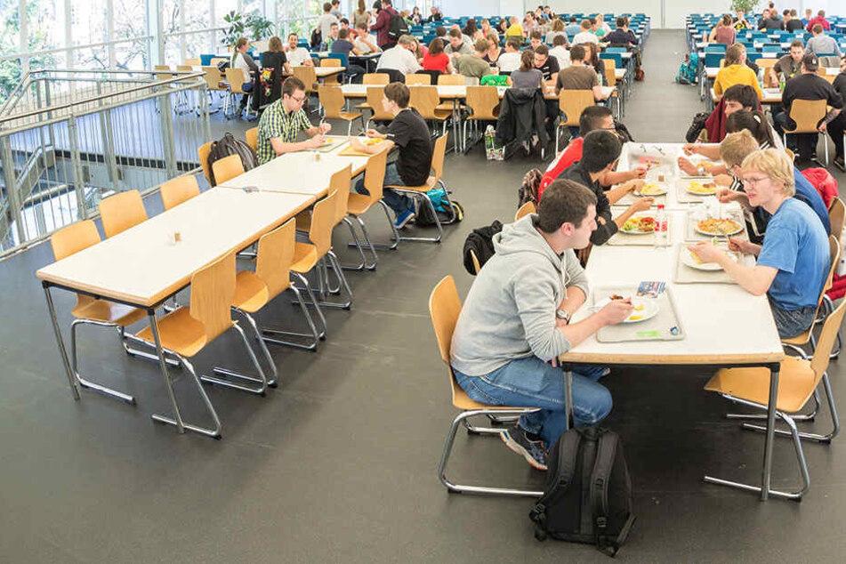 Die Preisschraube des Studentenwerks betrifft auch das Essen in den Mensen.