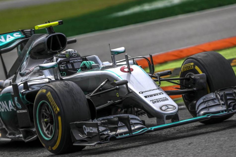 Nico Rosberg kam in Monza zu einem ungefährdeten Sieg, hat jetzt in der WM-Wertung nur noch zwei Punkte Rückstand auf Hamilton.