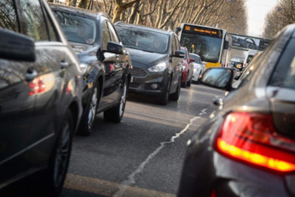 Wie geht es weiter auf Leipzigs Straßen? Diese Frage wirft derzeit im Stadtrat Probleme auf. (Symbolbild)