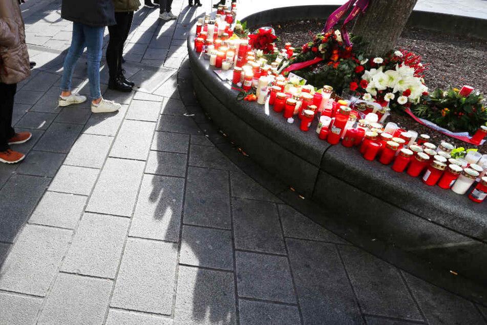 Tödlicher Angriff in Augsburg: Feuerwehrmann von Jugendlichen umringt, Schlag kam von der Seite!