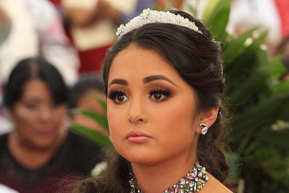 Mehrere tausend Menschen haben mit Rubí Ibarra García ihren 15. Geburtstag gefeiert.