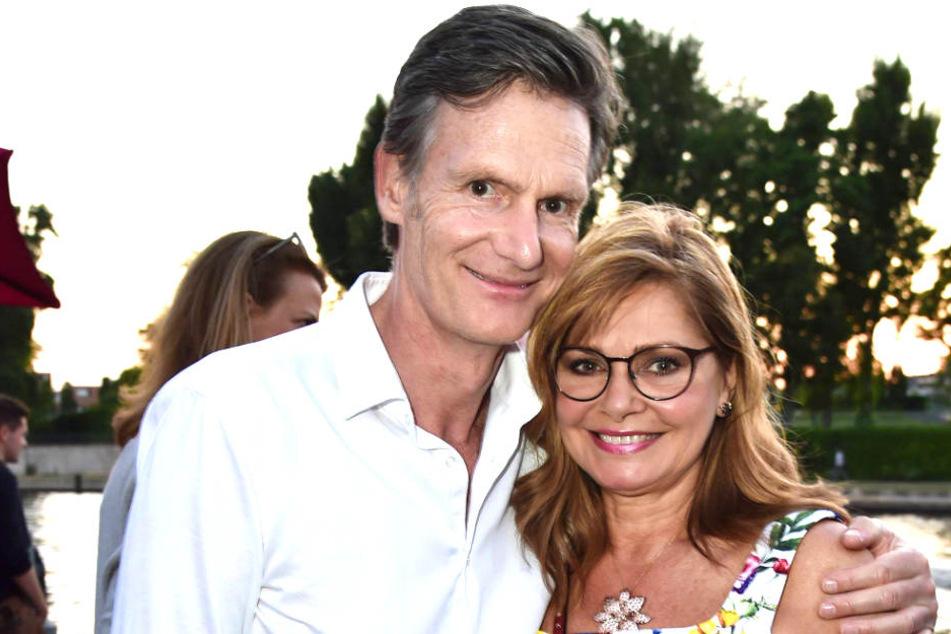 Maren Gilzer (58) hat sich mit ihrem Unternehmer-Freund Harry Kuhlmann verlobt.