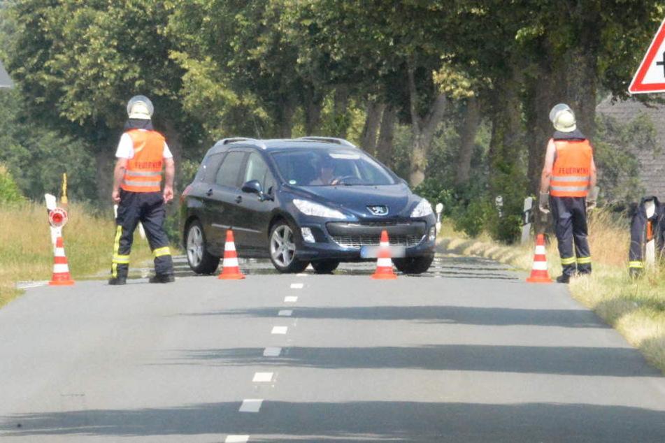 Während der Löscharbeiten musste die Lange Straße komplett gesperrt werden.