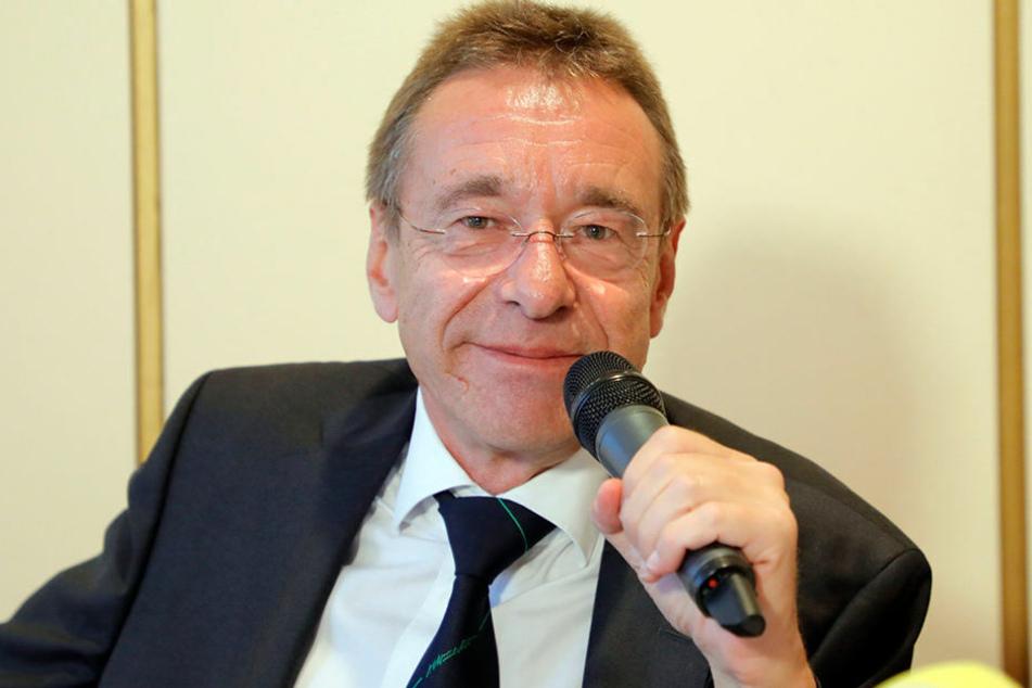 Rechtsanwalt Ulrich Dost-Roxin aus Berlin.
