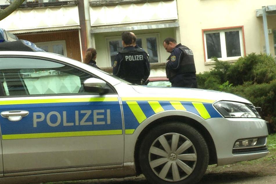 Die Polizei ist noch immer auf der Suche nach dem flüchtigen Messerstecher.