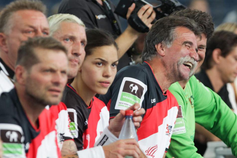 Stefan Kretzschmars (blonde Haare) Tochter Lucie-Marie (M.) wechselt im Sommer vom HC Leipzig zur Neckarsulmer Sport-Union. (Archivbild)