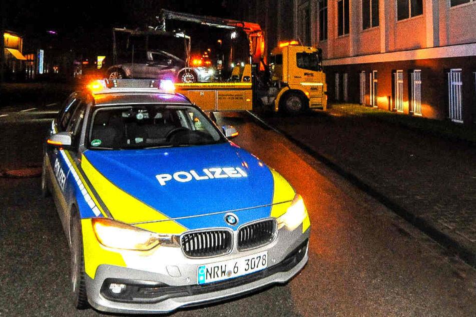 Die Polizei hat die Straße Am Stadtholz kurzzeitig abgesperrt.