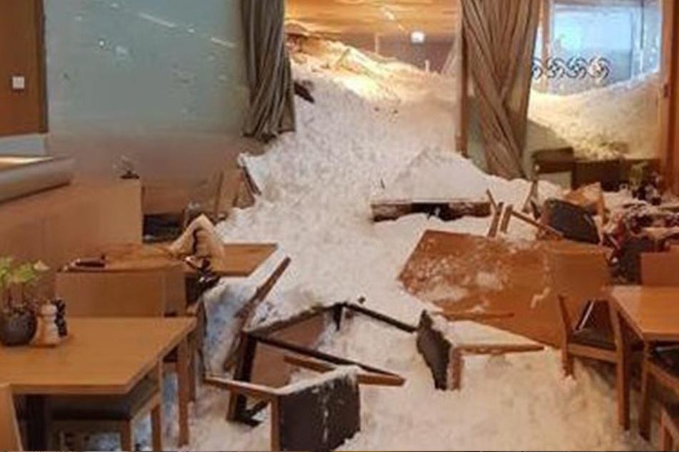 Das Restaurant des Hotel Säntis im Bereich der Schwägalp wurde verschüttet.