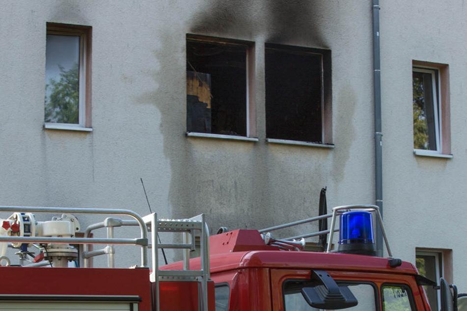 In Bernsdorf hat es in der Nacht zum Dienstag in einem Mehrfamilienhaus gebrannt.