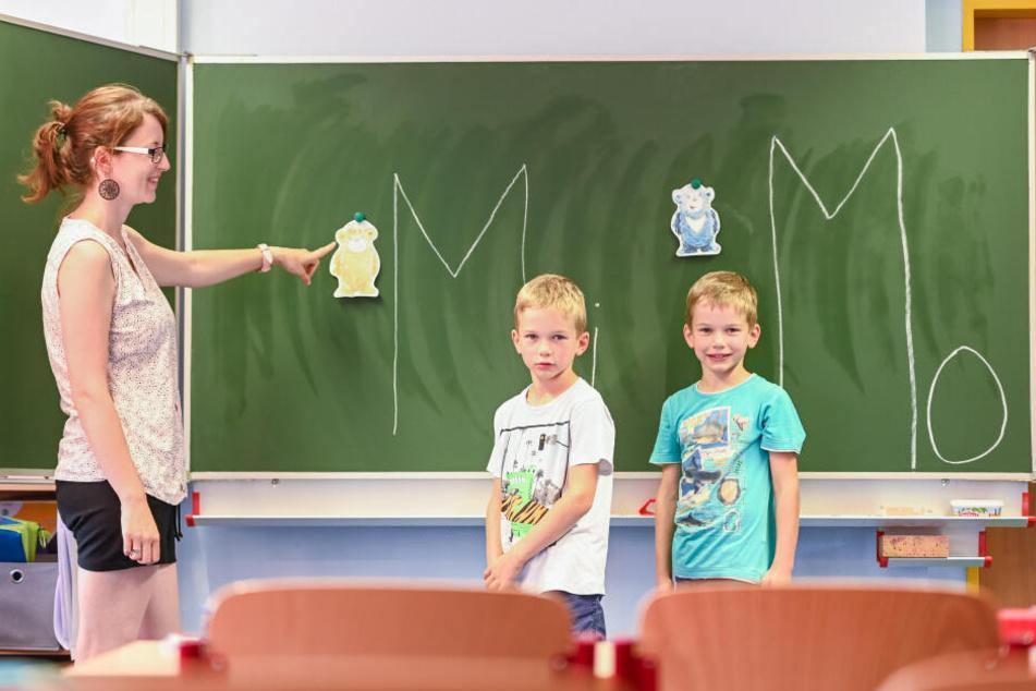 Grundschullehrerin Julia Thomschke (31) mit den Zwillingsbrüdern Ludwig (l.) und Artur.