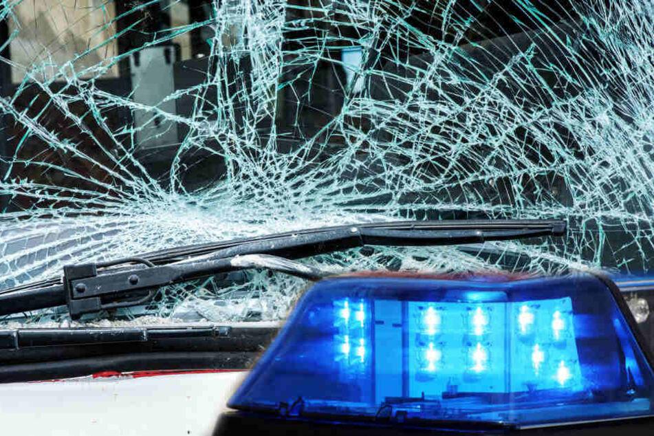 Schwerer Crash nach Ampelausfall: Auto durch die Luft geschleudert