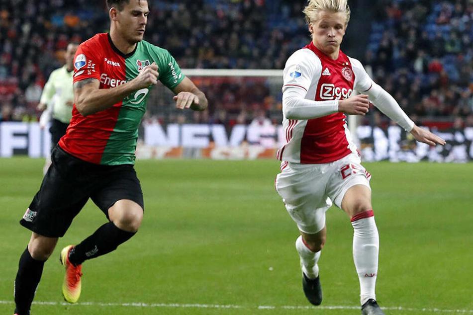 Dolberg (r) verlässt Ajax nach vier Jahren. 2015 kam er in die Talentschmiede von Amsterdam.
