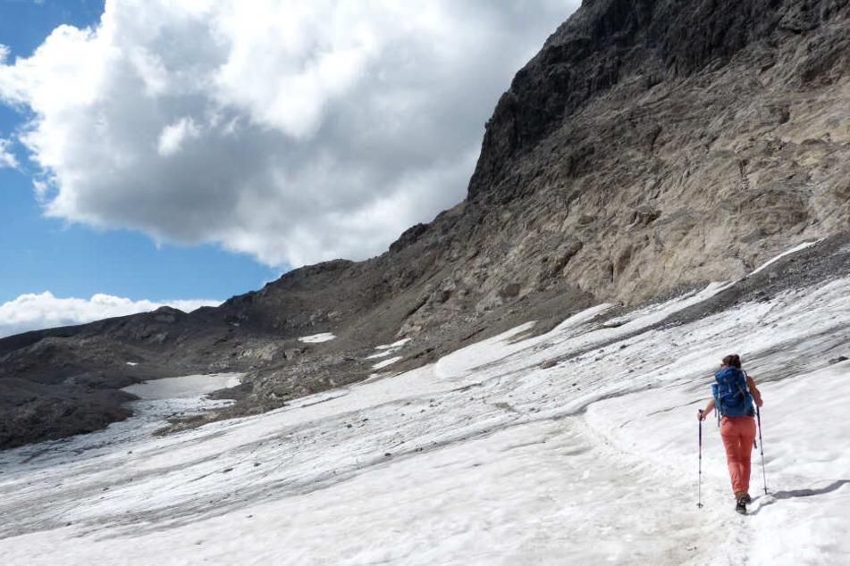 Unglück in den italienischen Alpen. Deutsche Bergsteigergruppe noch immer in Gefahr. (Symbolbild)