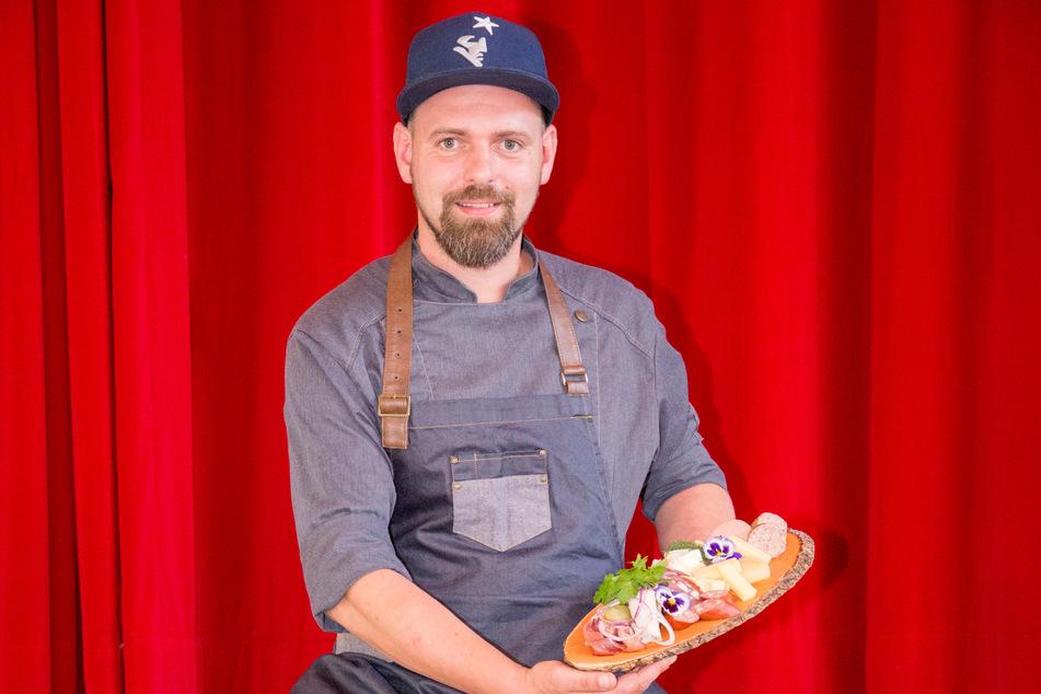 """Michael Bellack (38) von """"Art Catering"""" lockt mit rustikalen Vorspeisen."""