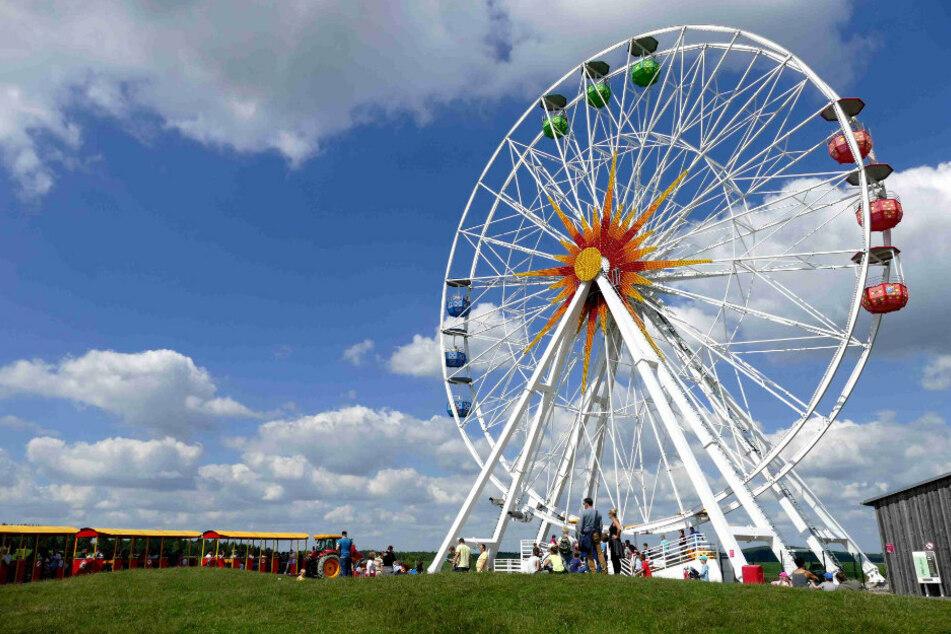 Wann wieder Besucher mit dem Riesenrad im Sonnelandpark fahren können, ist noch ungewiss.