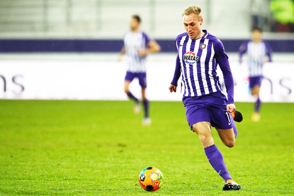 Seit seinem Debüt in der 'U21'-Auswahl im September vergangenen Jahres kam Krüger fünfmal zum Einsatz (1 Tor). Nun wurde er für die U21-EM in Ungarn erneut nominiert.