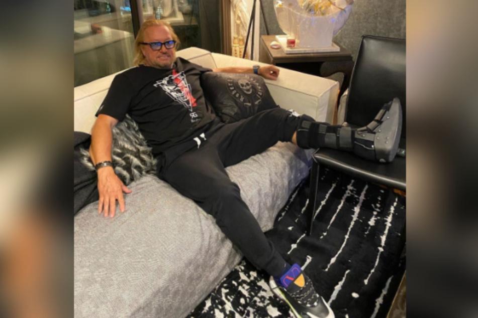 Robert Geiss bekommt nach Schock-Diagnose eine Schiene verordnet