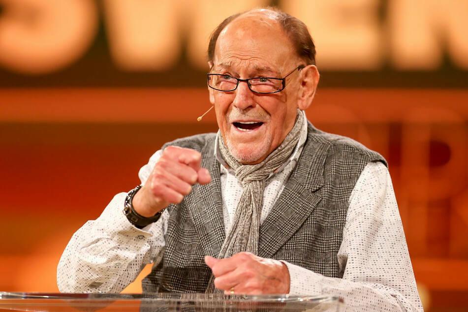 """Schauspieler Herbert Köfer (99) hier zu sehen im Oktober 2020 zur Verleihung der """"Goldene Henne""""."""