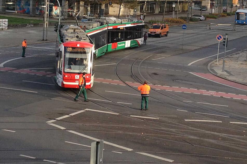Hier blockierte der Citylink eine Kreuzung im Stadtzentrum.