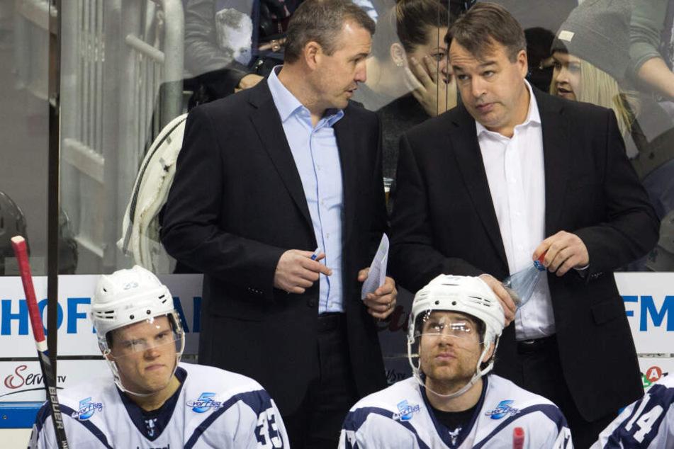 Hamburger Wiedersehen in Berlin? Co-Trainer Serge Aubin (l.) und Trainer Stephane Richer (r.) arbeiteten zusammen bei den Freezers.