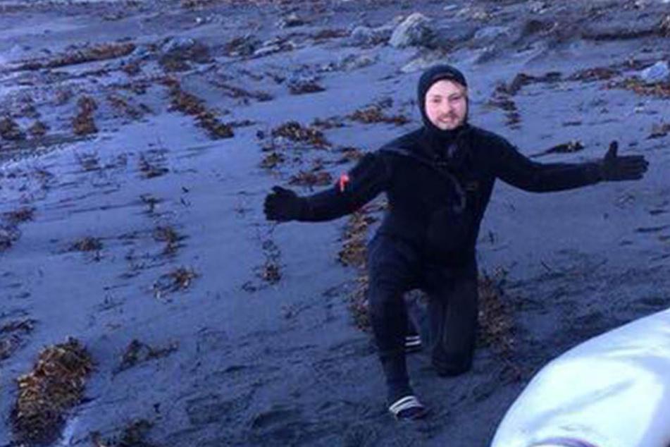 Brüder können nicht fassen, welches Monster sie da am Strand entdeckt haben