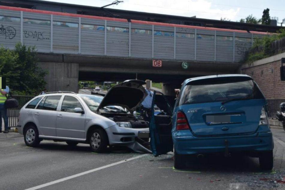 Die Autofahrerin war in den Gegenverkehr geraten, so die Polizei.