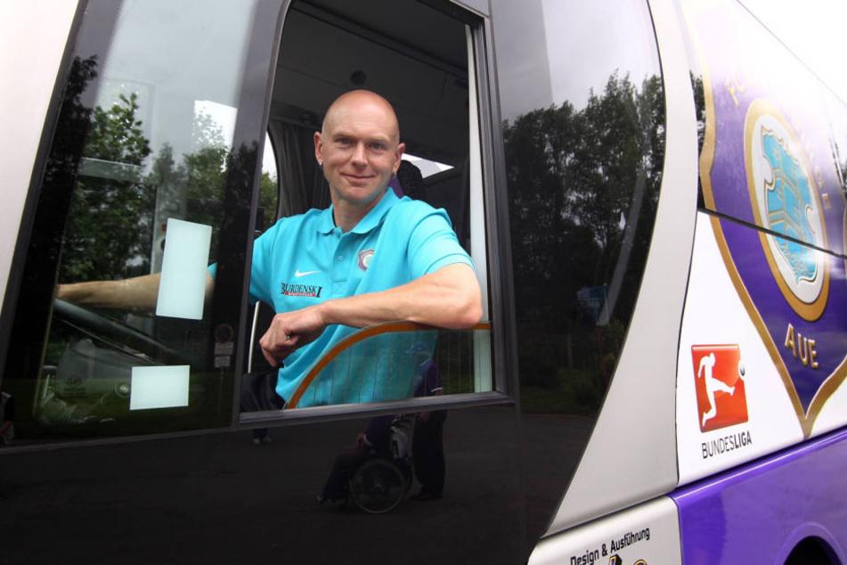 """FCE-Busfahrer Heiko Martin hat auch in dieser Saison einige """"Kanten"""" zu bewältigen."""