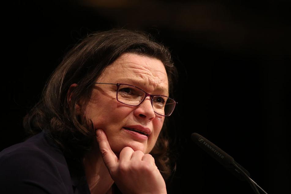 Die designierte SPD-Chefin Andrea Nahles wirbt für ein GroKo-Ja.