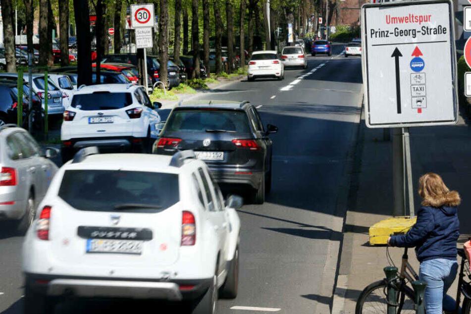Am Dienstag soll dann die Umweltspur auf der Prinz-Georg-Straße folgen.