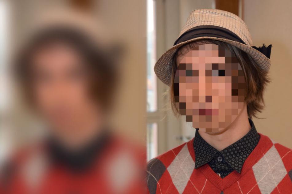 Der Student erschien vor Gericht mit Hut.