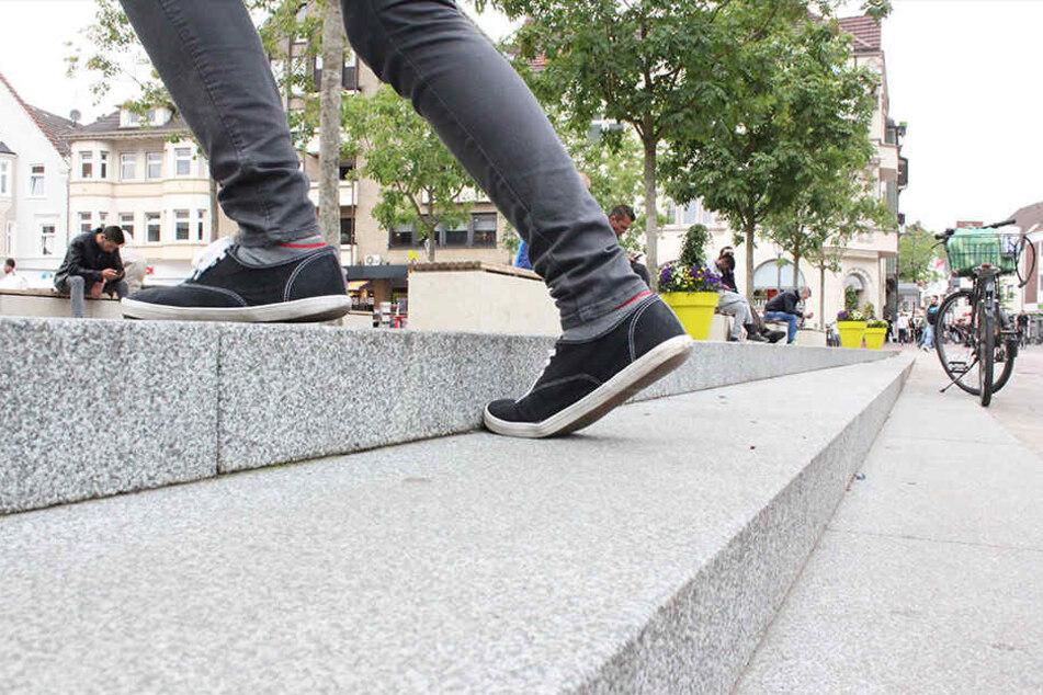 Die Treppe am Berliner Platz wurde zur Stolperfalle.