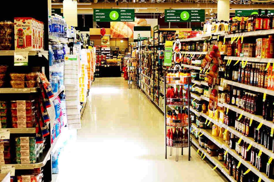 In einem Supermarkt in Gronau ist am Freitagmorgen ein 32-Jähriger gestorben.