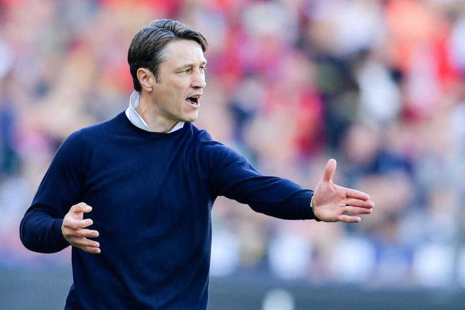 Münchens Trainer Niko Kovac gestikuliert am Spielfeldrand. (Archivbild)