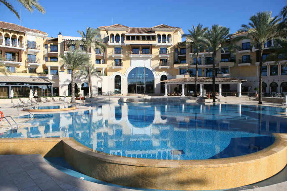 Im Januar 2017 checkte Aue im  Hotel International Mar Menor Golf Resort ein.