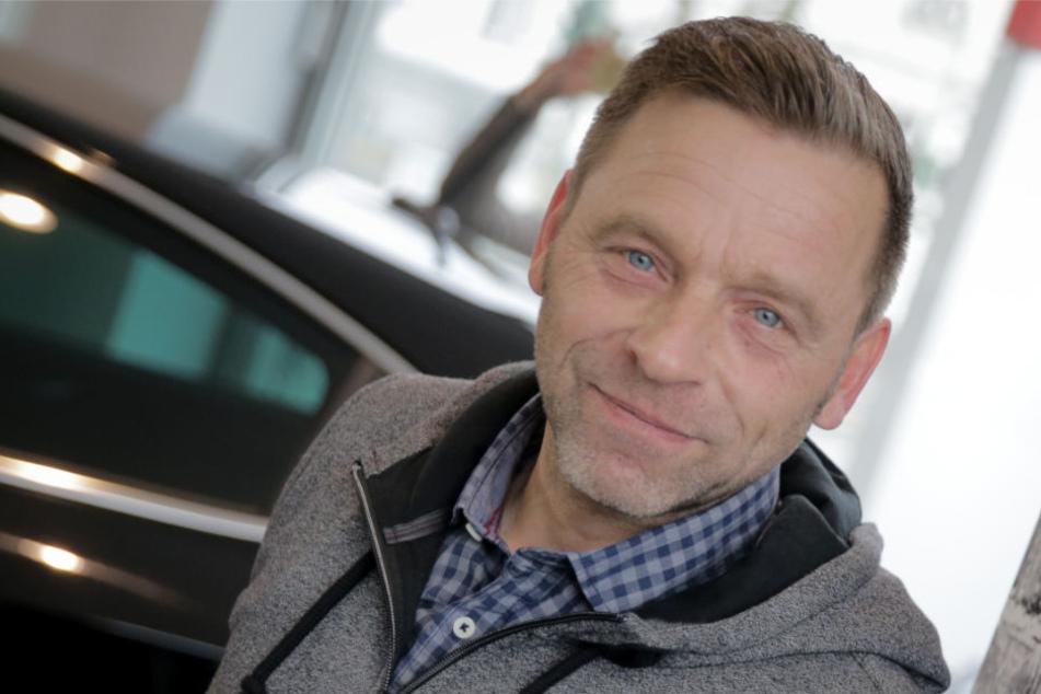 Trainer Thomas Häßler (52) peilt mit United Berlin den Aufstieg in die 6. Liga an.
