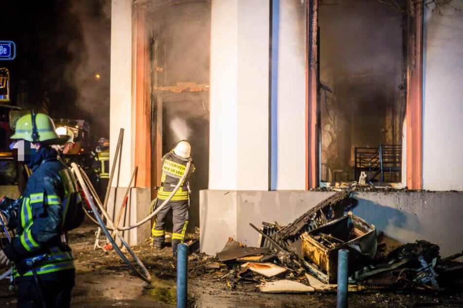 Die Wohnung in Wiesbaden brannte komplett aus und ist nun unbewohnbar.