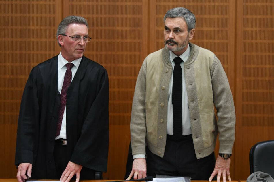 John Ausonius (re.) sitzt in Schweden wegen Mordes und versuchten Mordes seit 1994 in Haft.