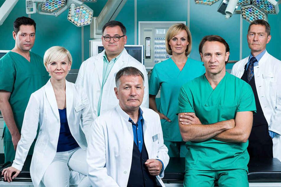 """Die Leipziger TV-Ärzte-Serie """"In aller Freundschaft"""" geht in eine neue Runde: der MDR plant drei weitere Staffeln bis 2020."""